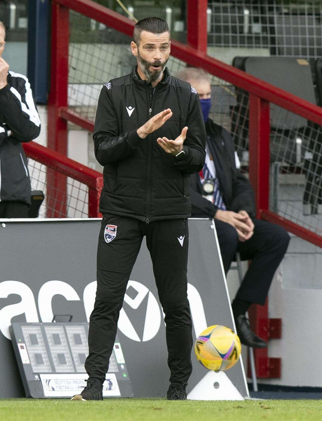 Picture - Ken Macpherson, Inverness. Ross County(0) v Aberdeen(3). 27.09.20. Ross County manager Stuart Kettlewell.